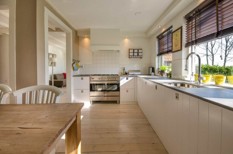 best finish for kitchen table
